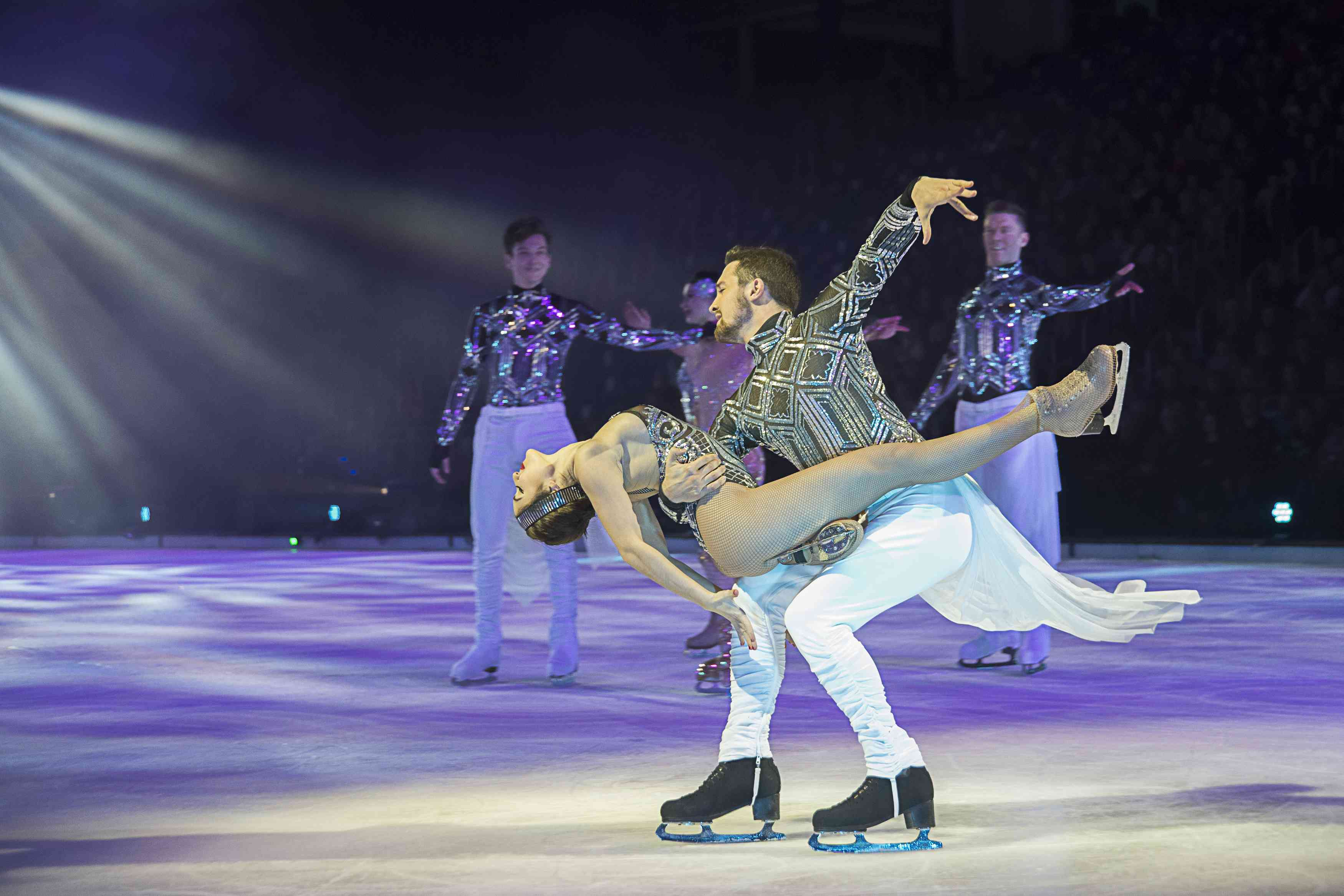 Premiere HOLIDAY ON ICE in Hannover